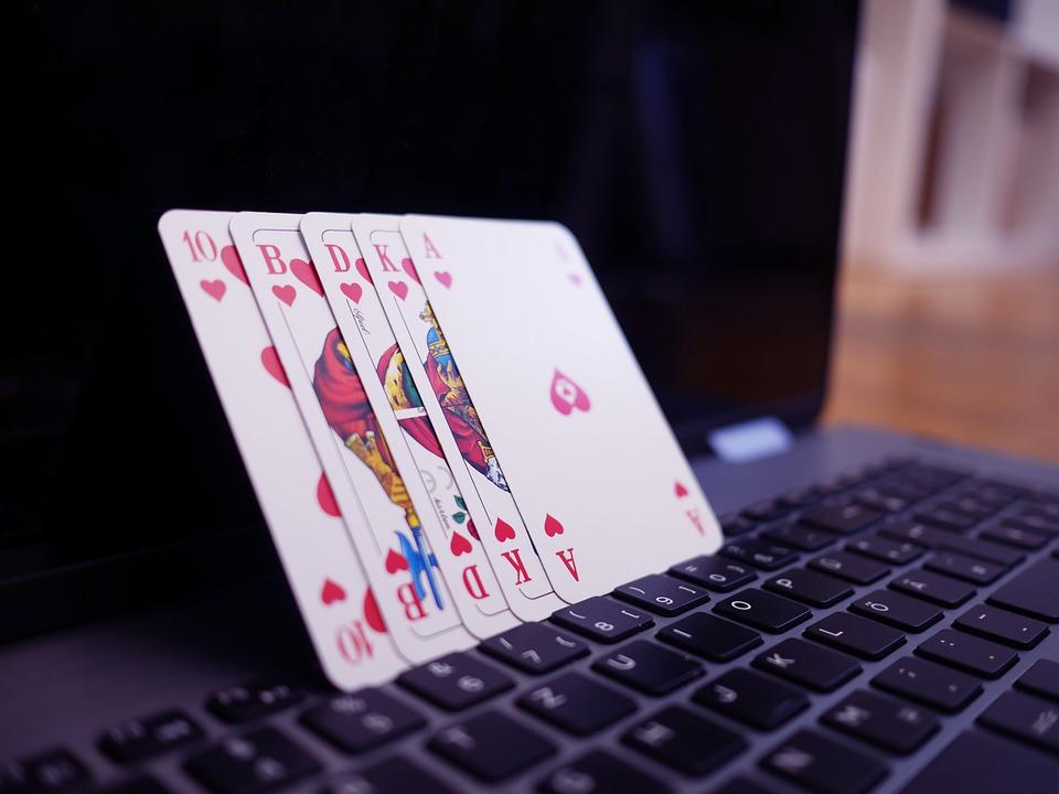 Kann man beim Online Blackjack Karten zählen?